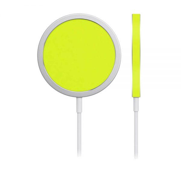 Skin Verde Neon Metalizat pentru încărcător iPhone MagSafe